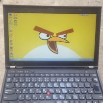Laptop Thinkpad X230.